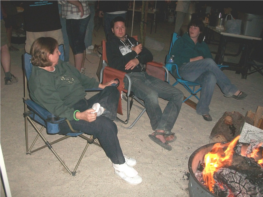 Around_the_campfire