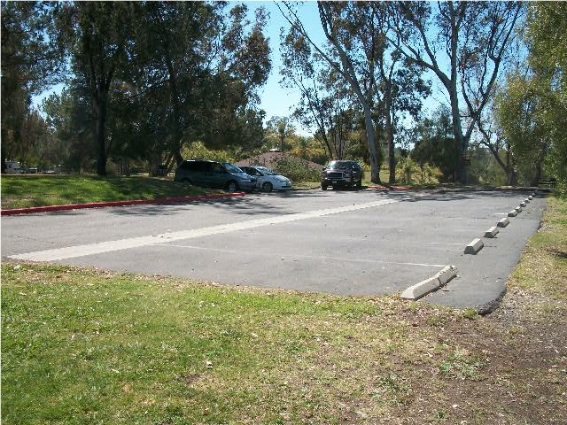 parking_near_pavilion