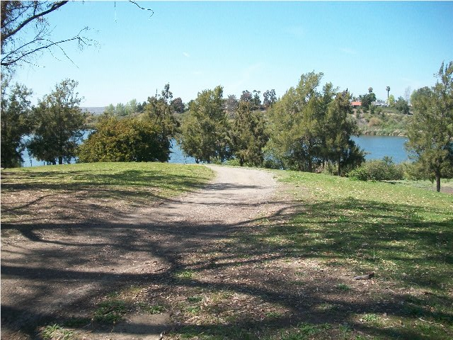 path_to_lake